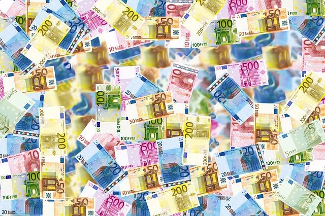 bankovky, eura