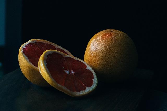 rozkrájené citrusy